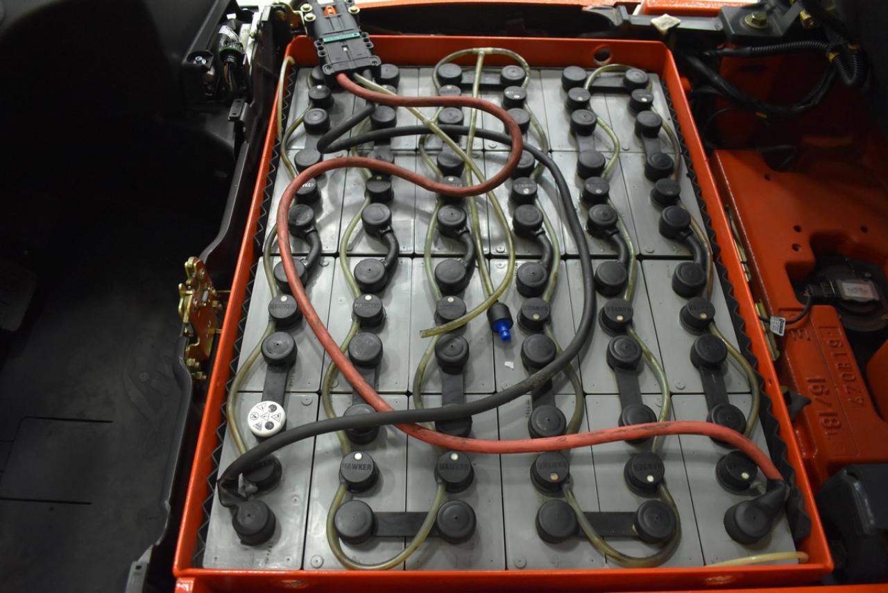 LINDE E 16-01 - AKU, 2011, BP, volný zdvih, Triplex, pouze 2171 mth