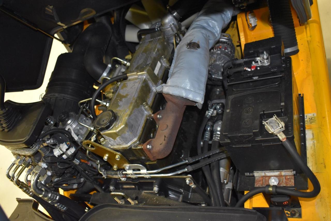 26393 JUNGHEINRICH DFG 425 - Diesel, 2012, polokabina, BP+HSV, volný zdvih, Triplex