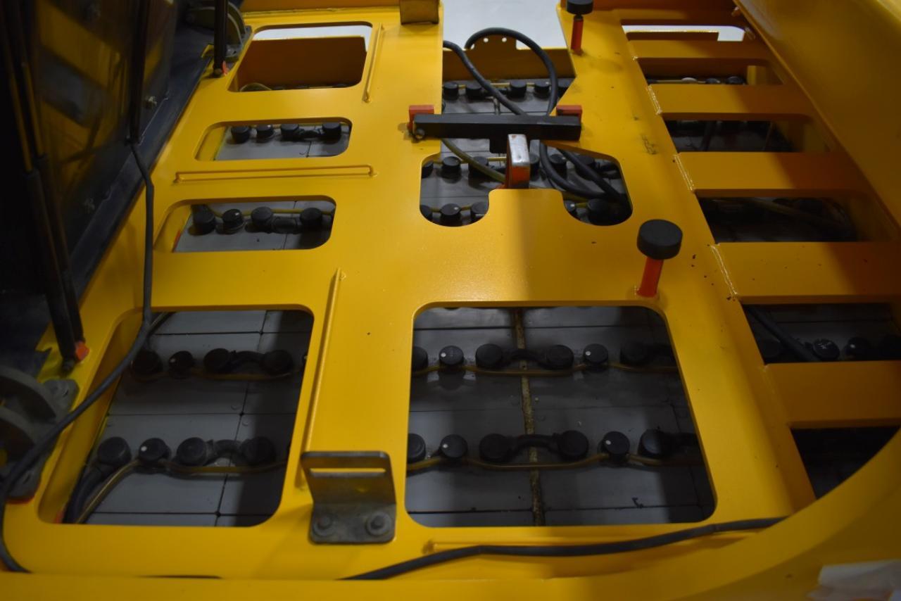 27563 CARER Z 60 KN - ELEKTRYCZNY, 2010, częściowa kabina, PBW+POZ, wolny skok, TRIPLEX, tylko 5671 mtg