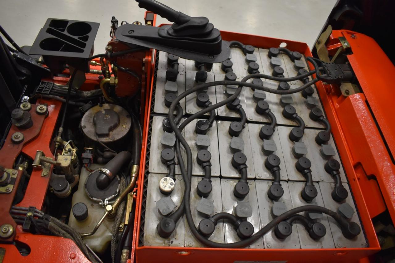 28190 LINDE E 16 C-02 - AKU, 2005, BP, volný zdvih, Triplex