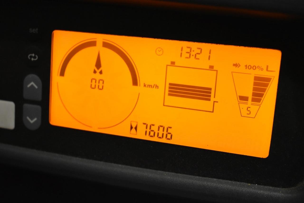 30711 JUNGHEINRICH EFG 215 - AKU, 2014, BP, volný zdvih, pouze 7605 mth,  ZADÁNO
