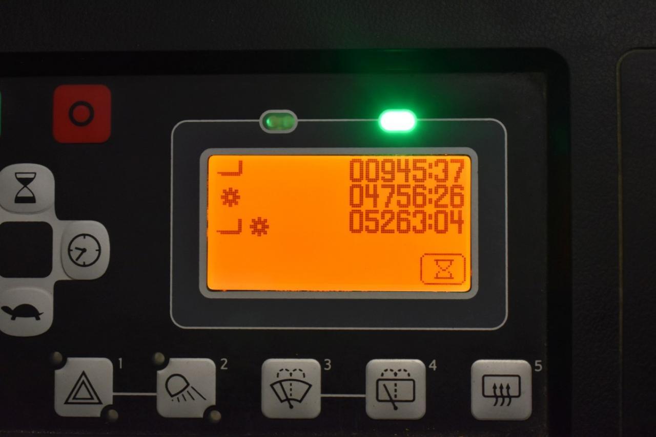 31617 TOYOTA 8FBMKT25 - AKU, 2013, Kabina, BP, volný zdvih, Triplex, pouze 5262 mth