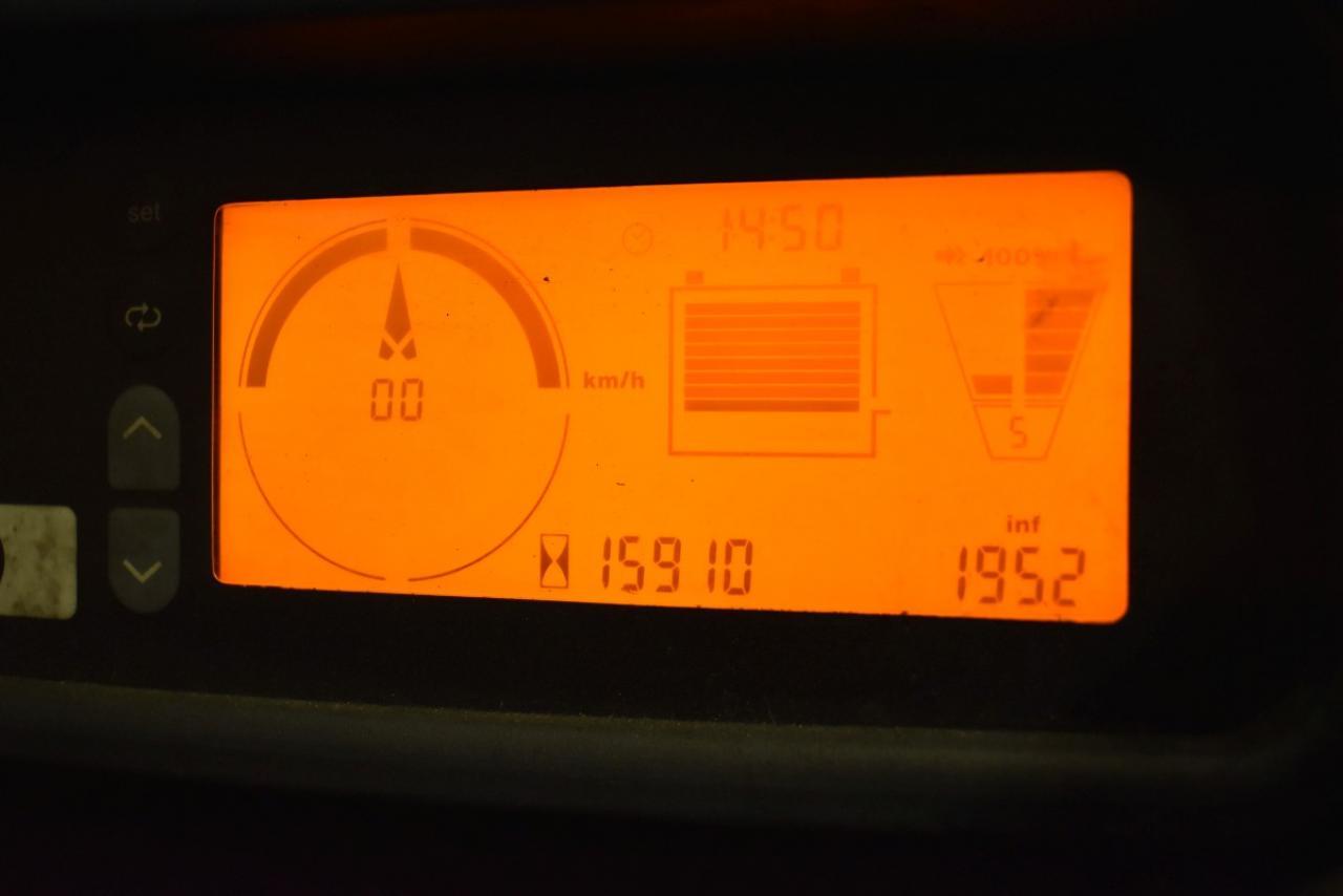 32054 JUNGHEINRICH EFG S30S - AKU, 2014