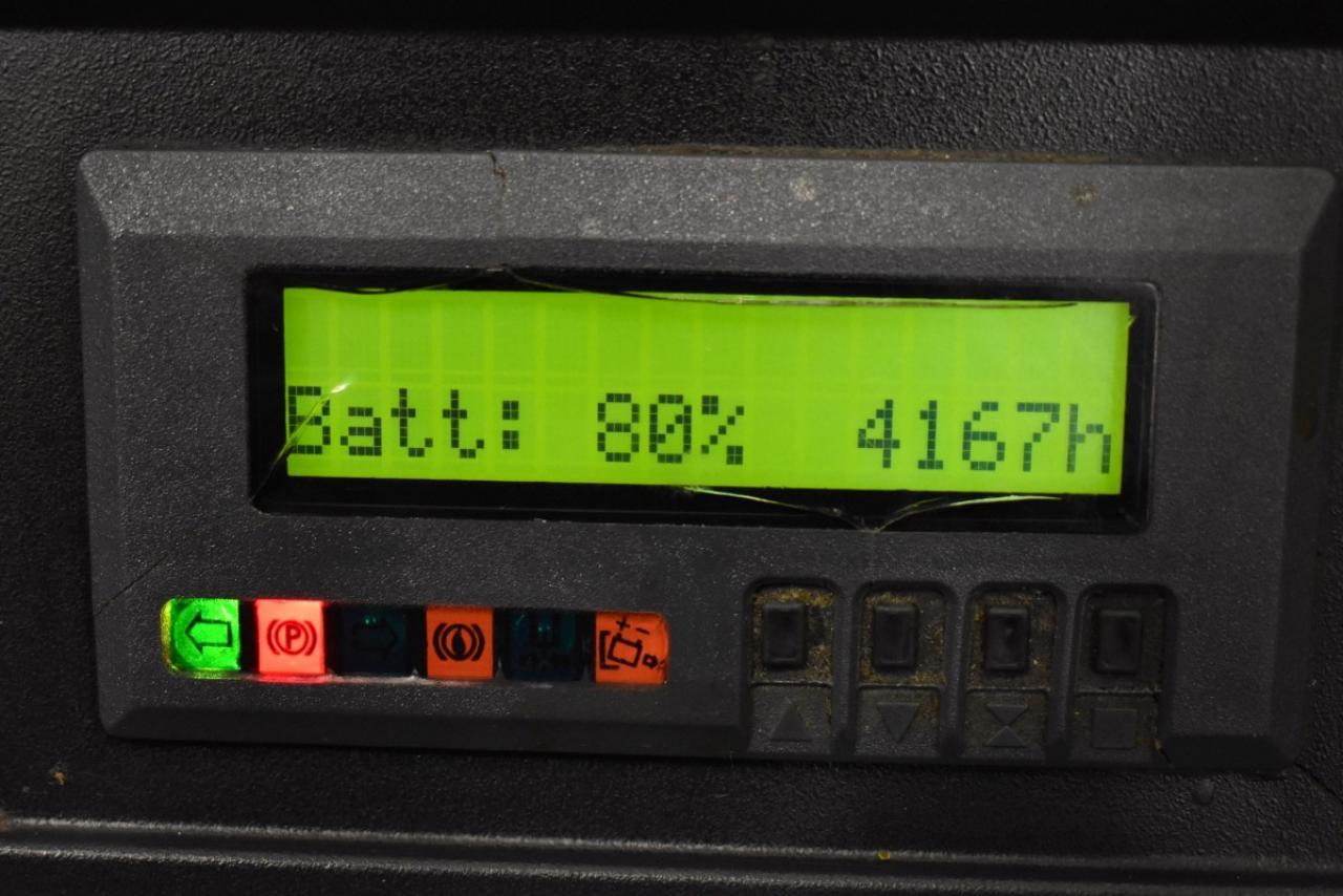 32093 JUNGHEINRICH ETV 110 - Battery, Reach truck, 2002, SS, Free lift, TRIPLEX, only 4167 hrs, BATT 2013
