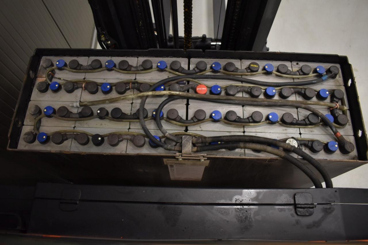 32251 BT RRE 180 - Battery, Reach truck, 2013, SS, Free lift, TRIPLEX