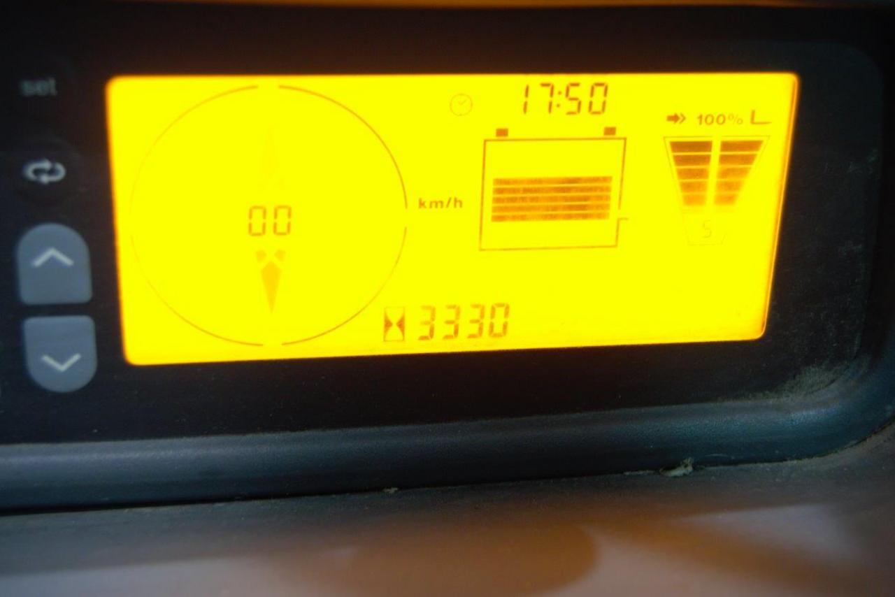 32719 JUNGHEINRICH EFG 216 k - AKU, 2015, Kabina, BP, pouze 3329 mth