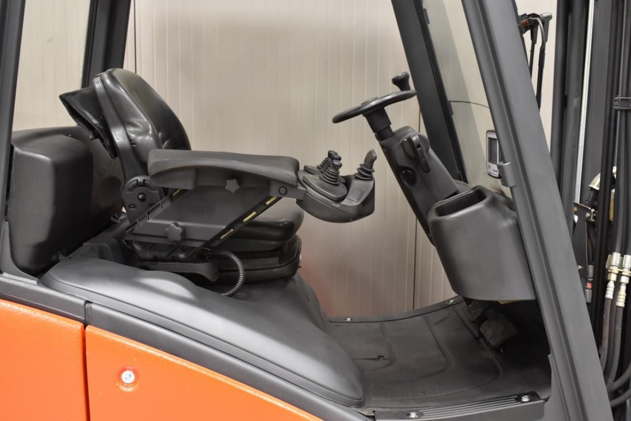 32816 LINDE H 20 D-01 - Diesel, 2015, polokabina, BP, volný zdvih, Triplex