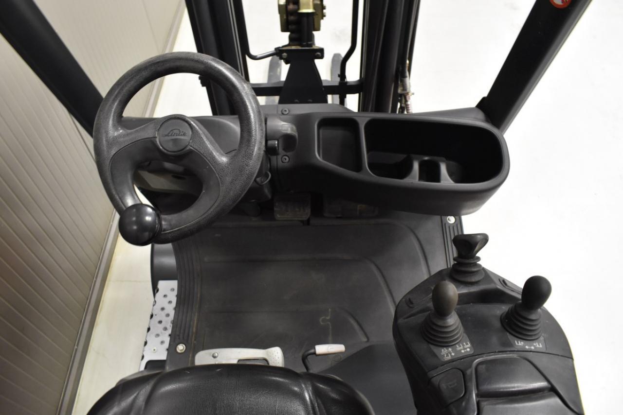 33027 LINDE H 16 D-01 - Diesel, 2016, BP, Volný zdvih, Triplex