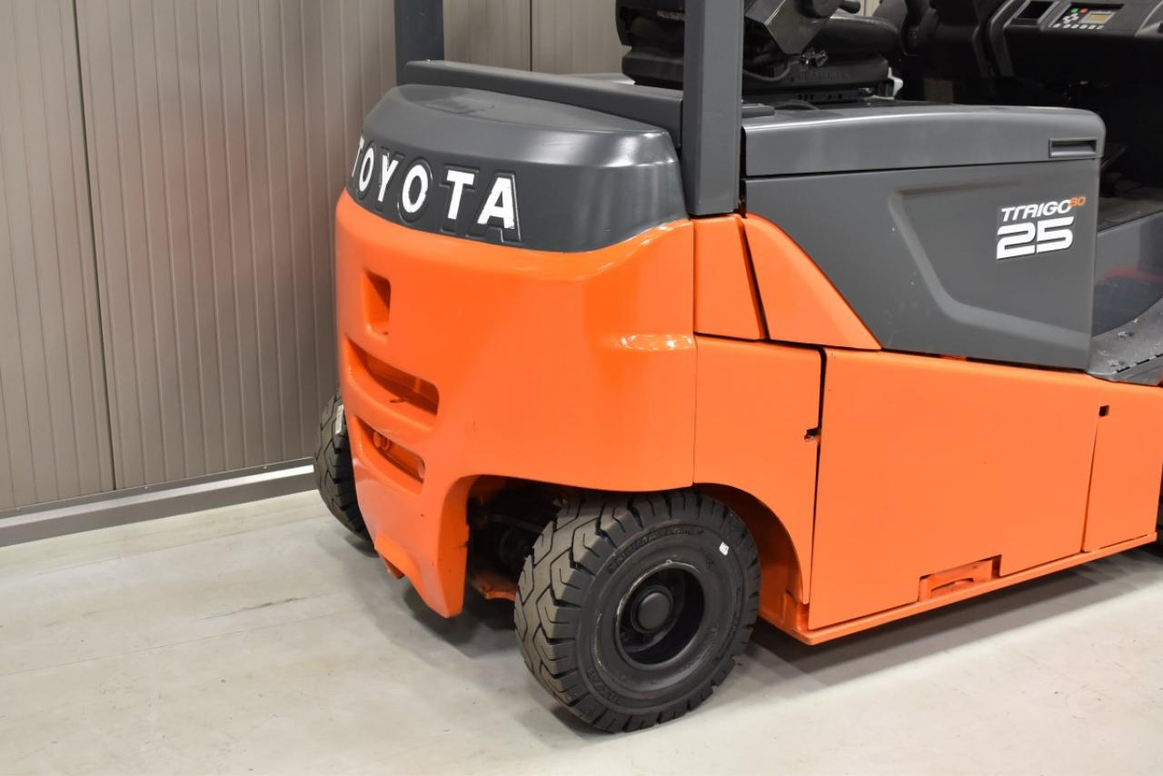 33085 TOYOTA 8FBMKT25 - Battery, 2014, FP, only 7401 hrs