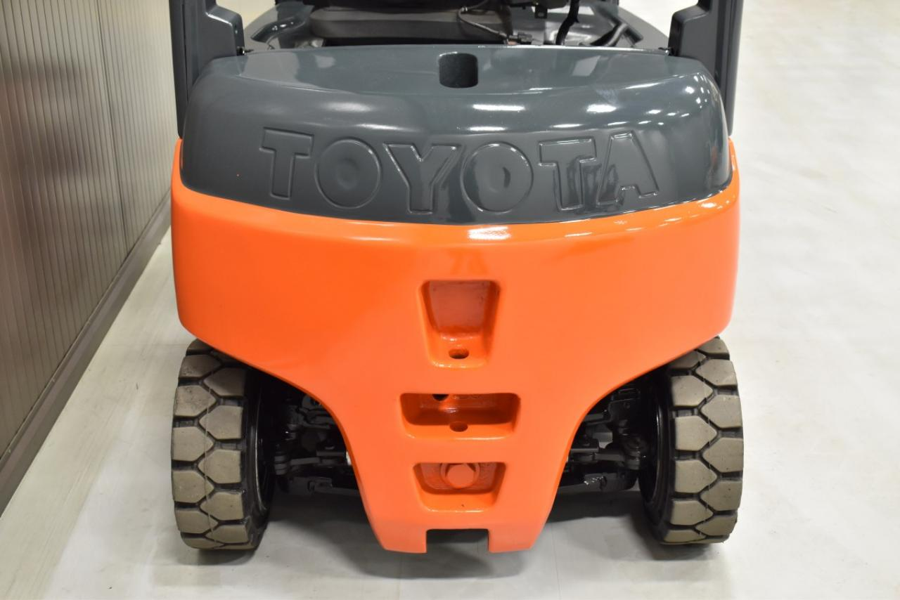 33382 TOYOTA 8FBMT20 - Battery, 2013, SS, Free lift, TRIPLEX