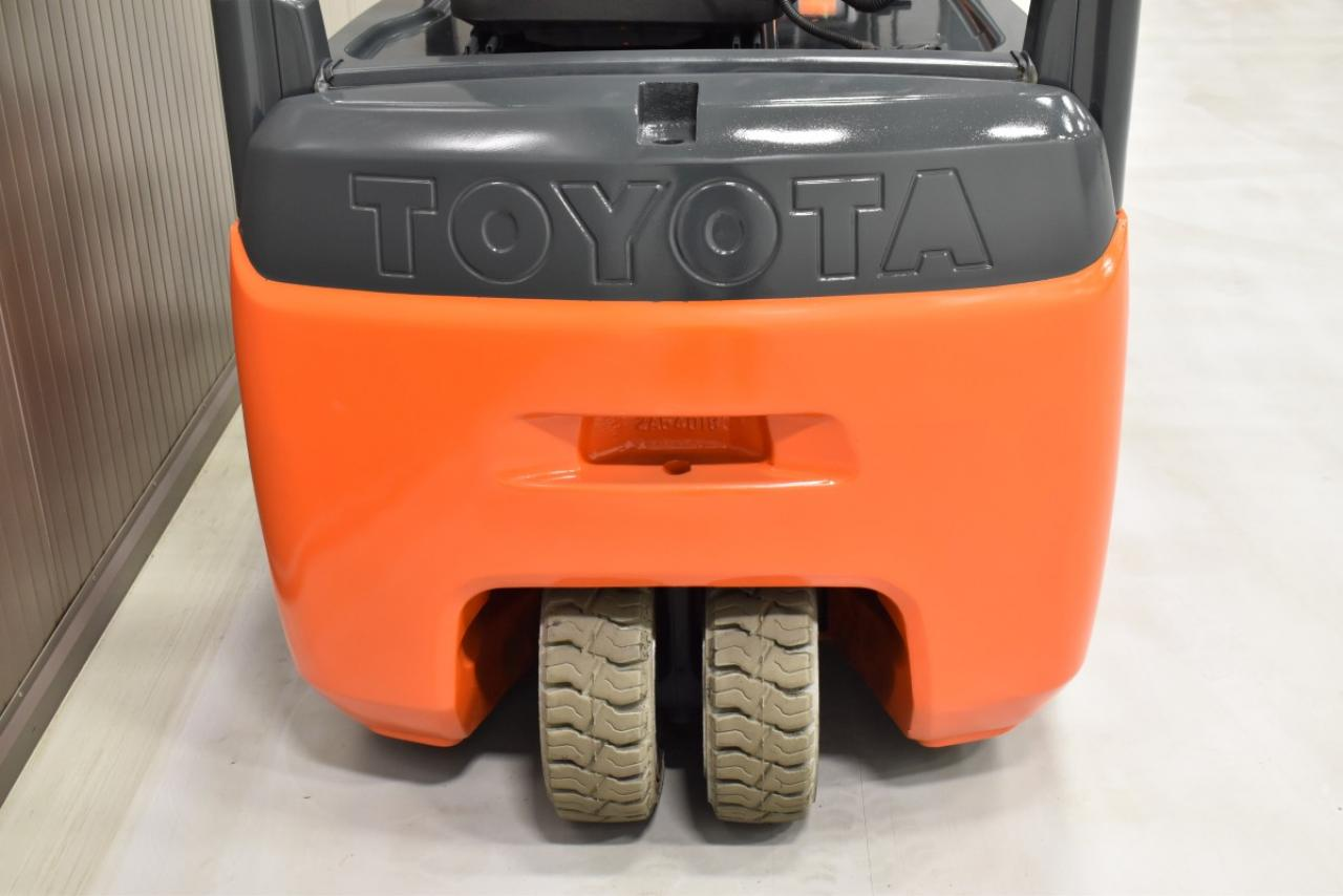 33633 TOYOTA 8FBEKT18 - Battery, 2016, SS, Free lift, only 5993 hrs