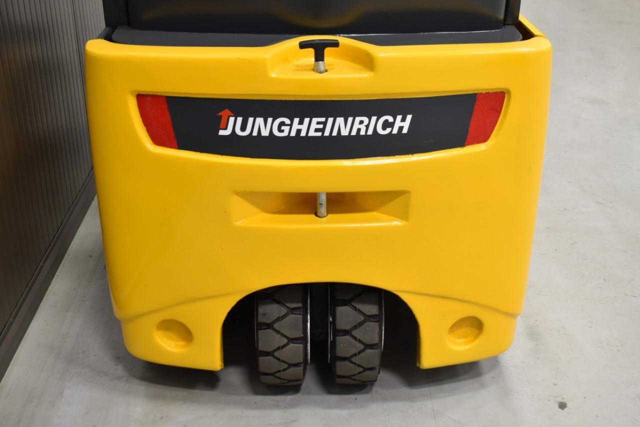 33713 JUNGHEINRICH EFG 218 - Battery, 2014, SS, Free lift, TRIPLEX