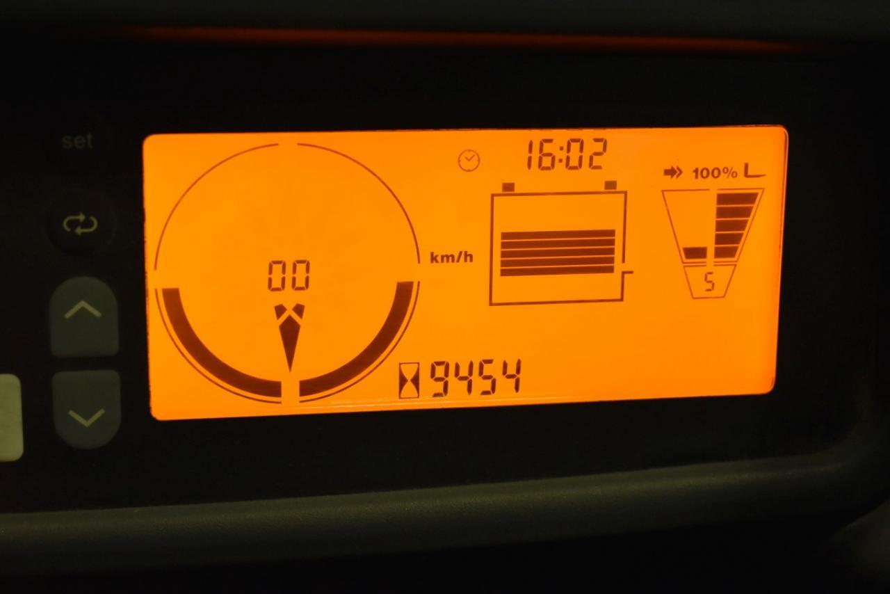 33839 JUNGHEINRICH EFG 430 S - Battery, 2014, high cabin, SS