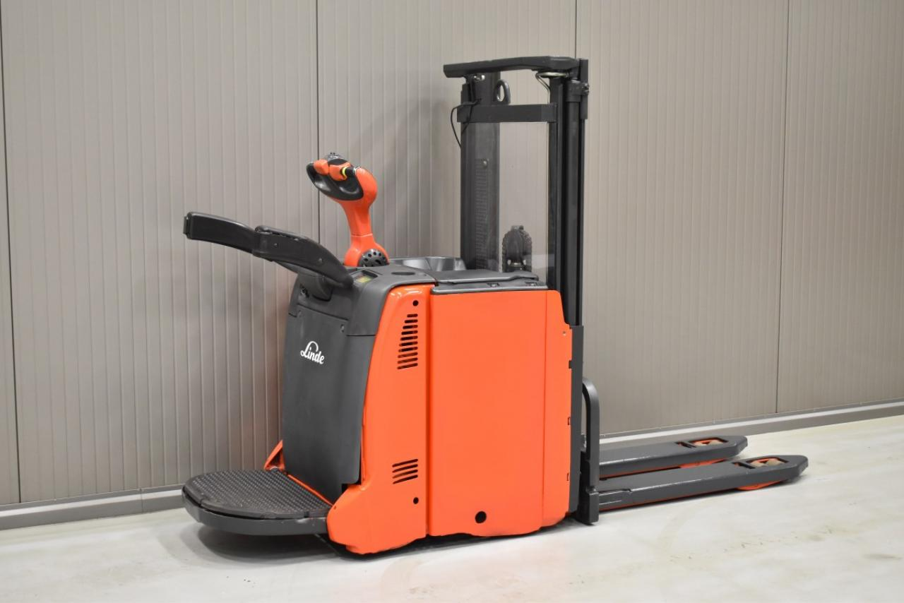 33944 LINDE L 12 L AP - Battery, 2013, initial lift, only 5908 hrs