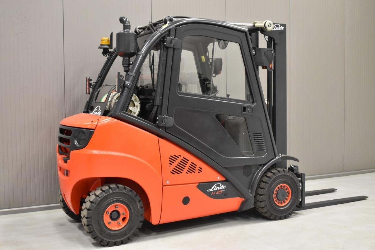 34055 LINDE H 25 T-01 - LPG, 2012, Cabin, SS, Free lift