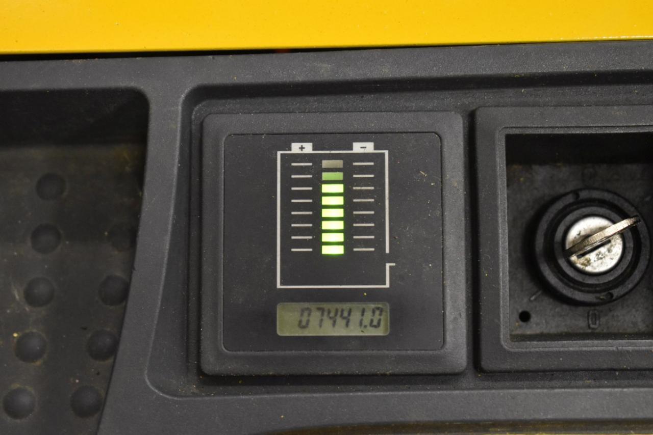 34237 JUNGHEINRICH EJC 214 - Battery, 2013