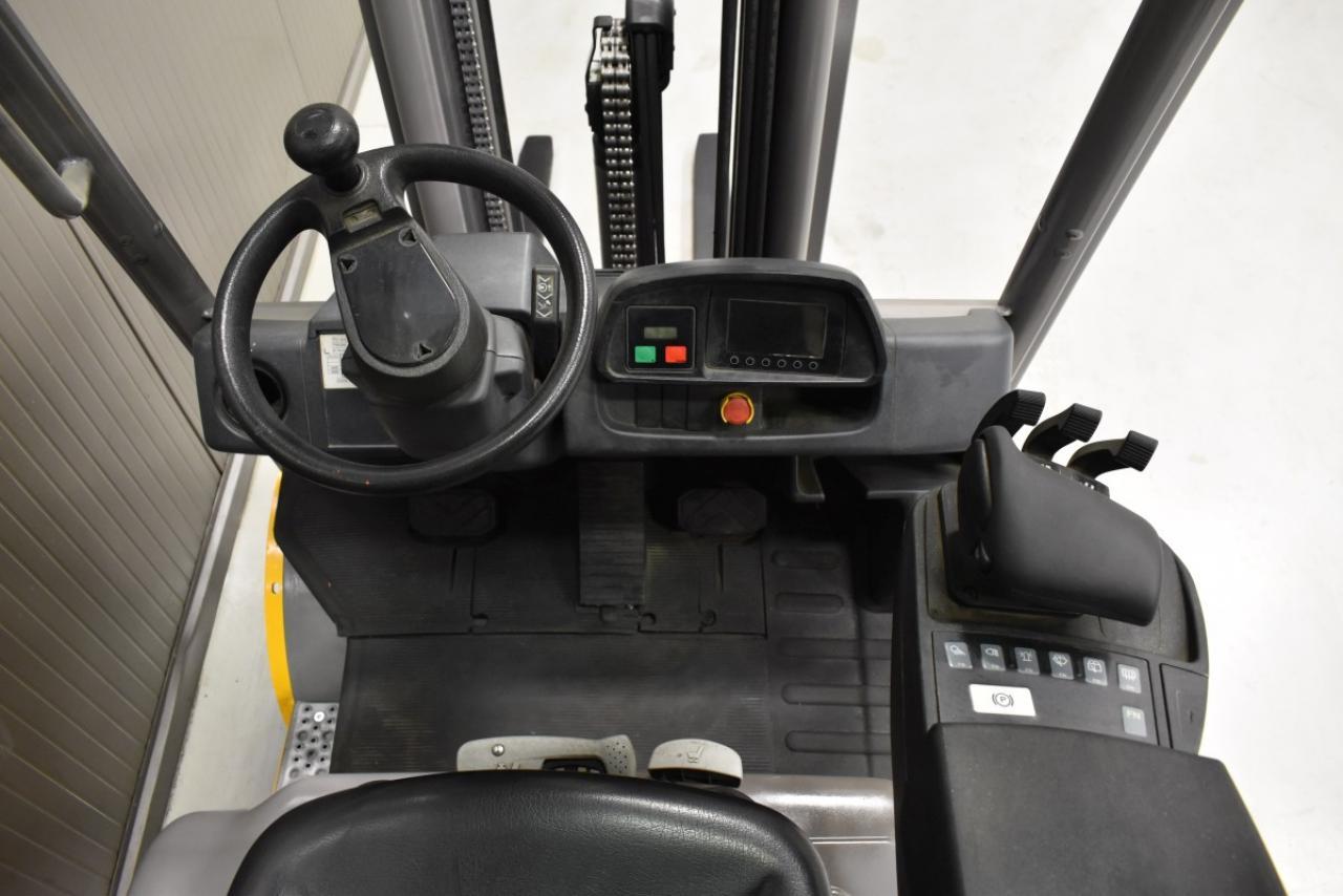 35226 JUNGHEINRICH TFG 320s - LPG, 2016, SS, Free lift, TRIPLEX