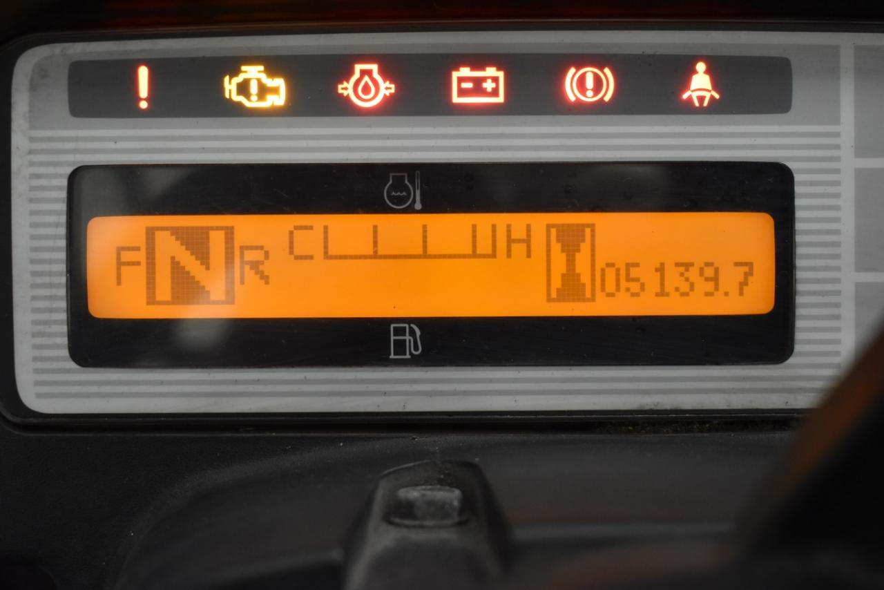 26385 NISSAN J1F4A40LY - LPG, 2010, polokabina, BP, pouze 5138 mth