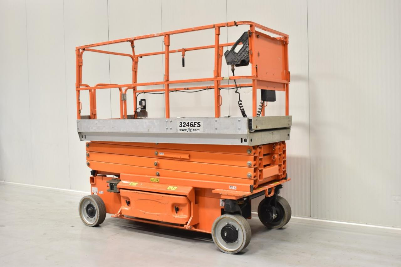 28550 JLG 3246 ES - Battery, 2010, only 471 hrs,  IN RENT