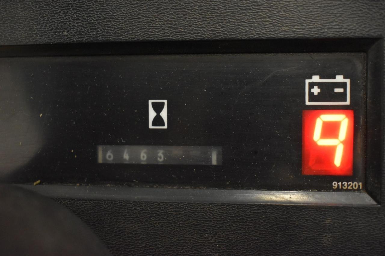 29409 CATERPILLAR F 50 D - Battery, 1999, SS, Free lift, TRIPLEX