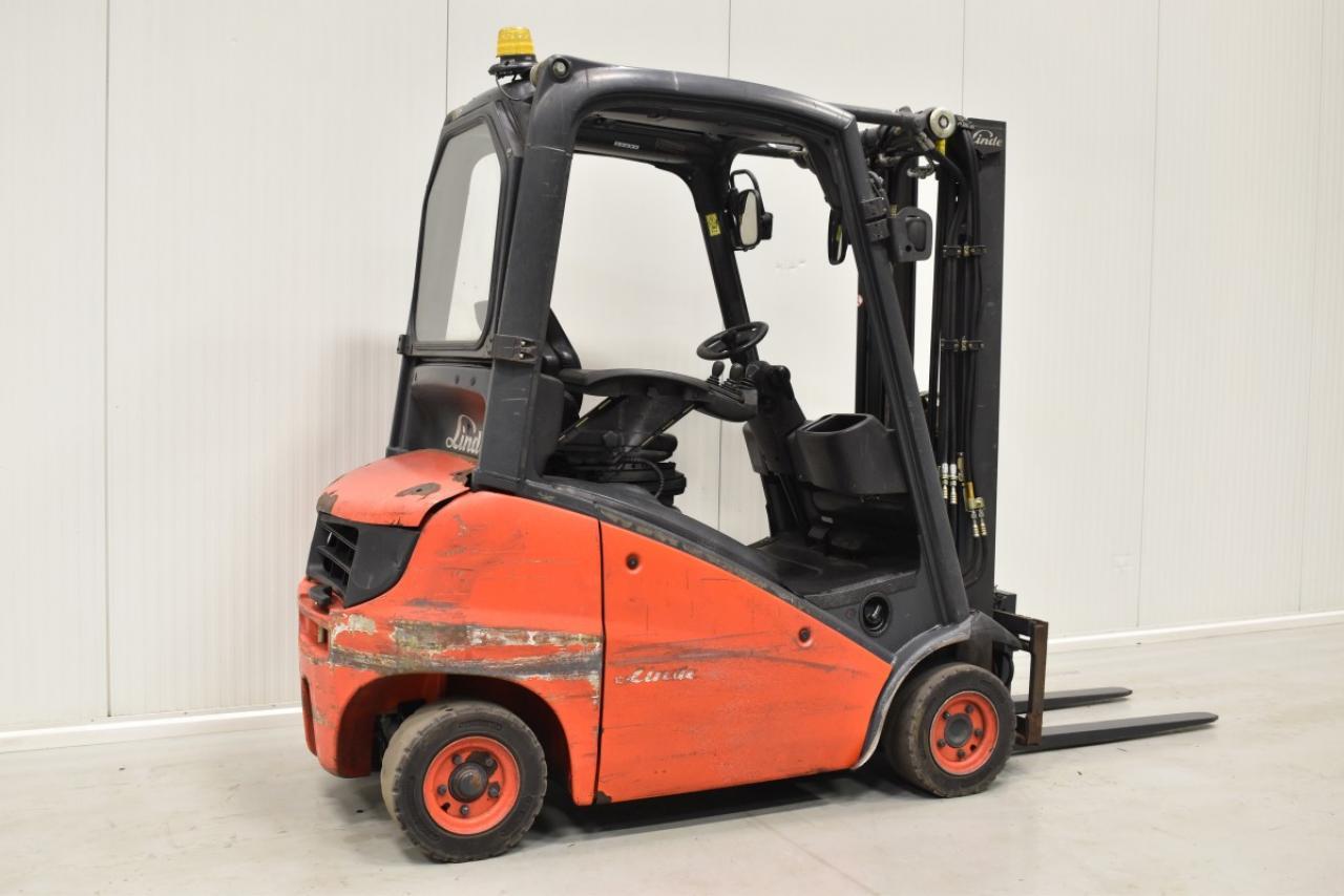 29900 LINDE H 18 D-01 - Diesel, 2011, polokabina, BP, volný zdvih, Triplex, pouze 7133 mth