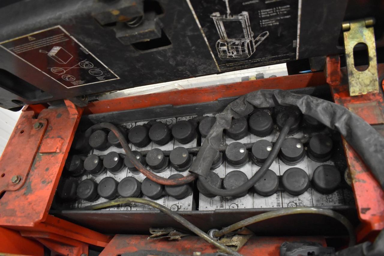 30044 LINDE L 14 AP - AKU, 2004, pouze 5677 mth, BAT 2011
