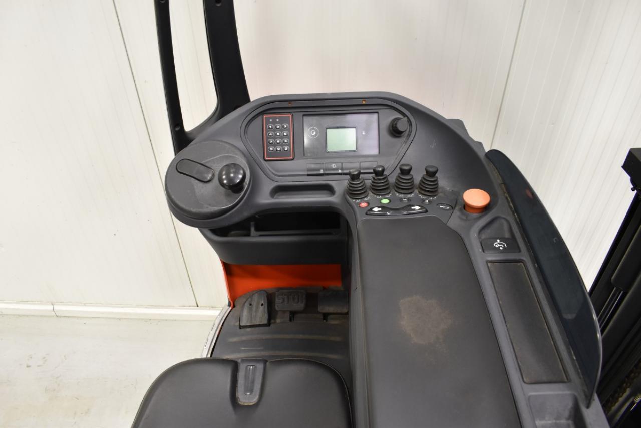 30057 LINDE R 14-01 - Battery, Reach truck, 2013, SS, free lift, TRIPLEX, BATT 2014