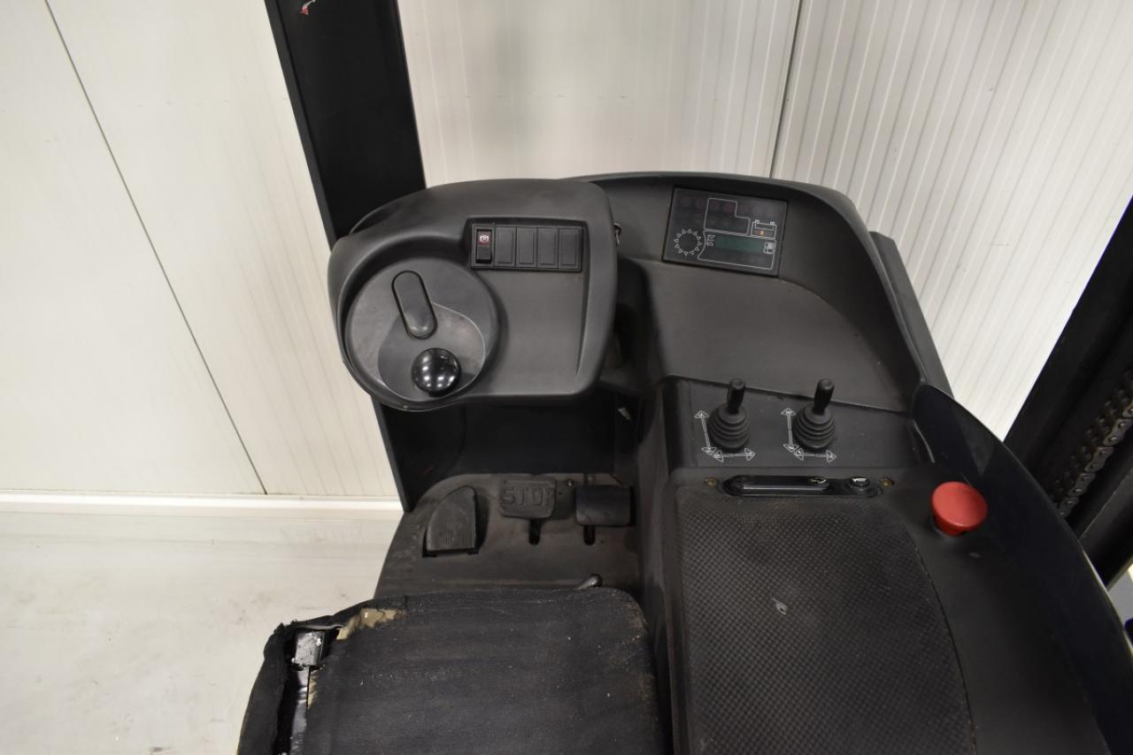 30582 LINDE R 14 - Battery, Reach truck, 2006, SS, free lift, TRIPLEX