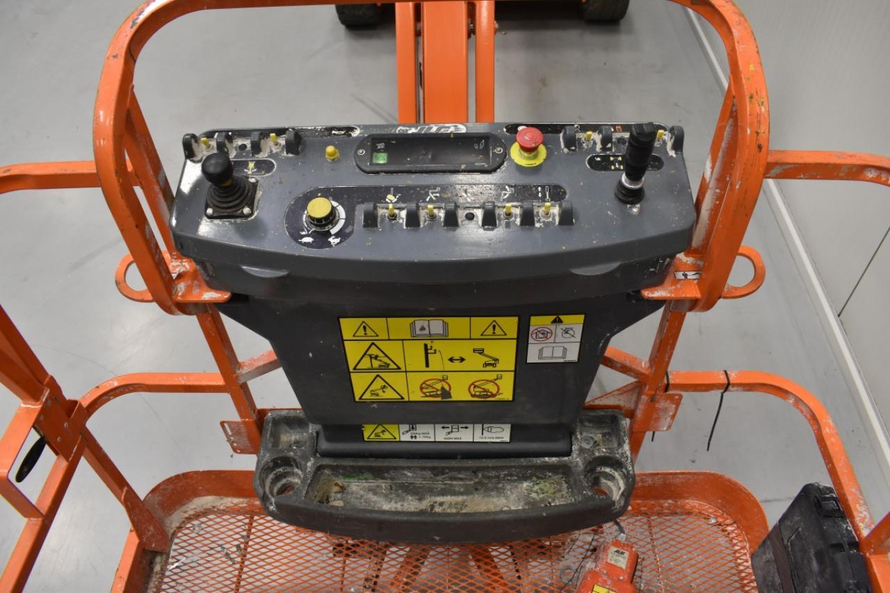30590 JLG M 450 AJ - AKU, 2011, pouze 868 mth,  V PRONÁJMU