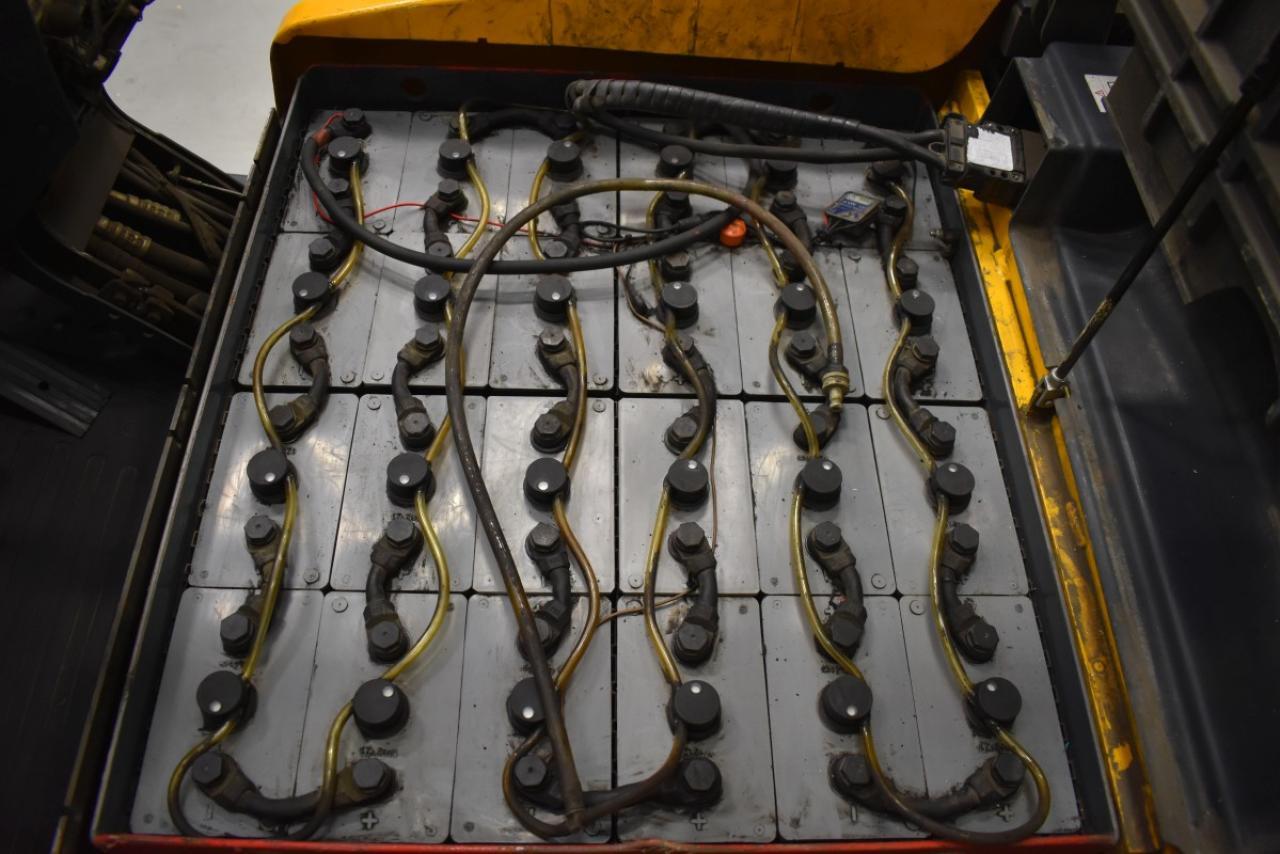 30941 JUNGHEINRICH EFG 216 - Battery, 2008, SS, free lift