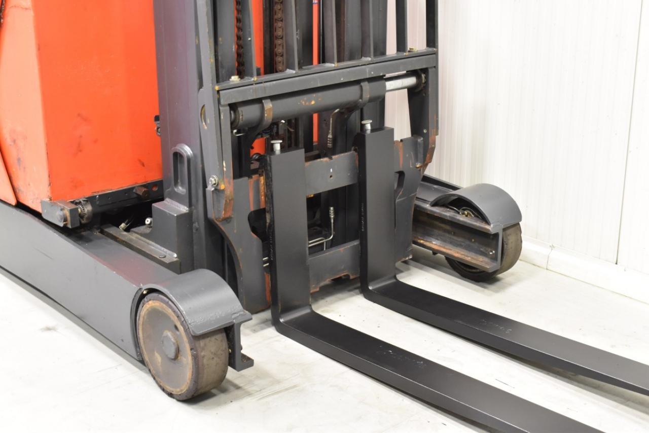 31346 LINDE R 14-01 - Battery, Reach truck, 2014, SS, Free lift, TRIPLEX