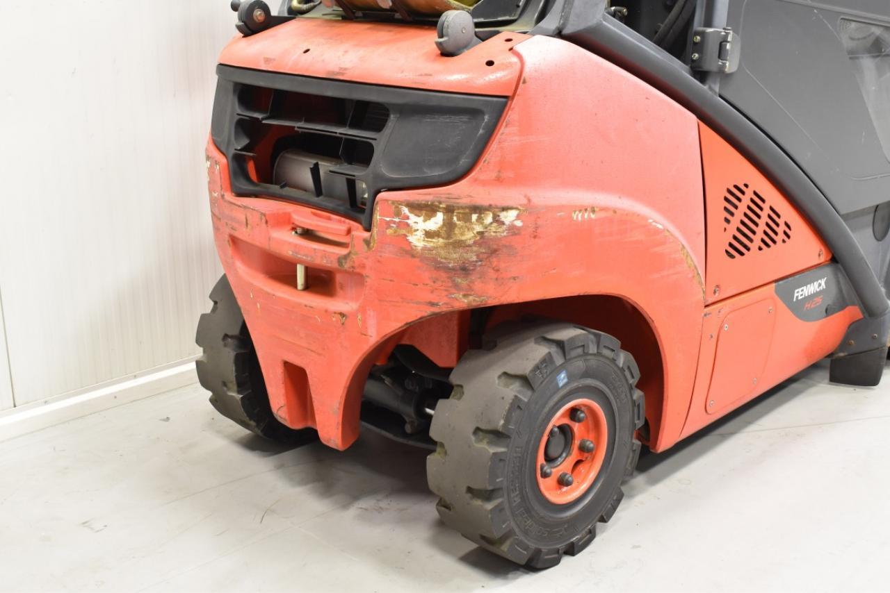 31350 LINDE H 25 T-02 - LPG, 2013, Cabin, SS, free lift, TRIPLEX