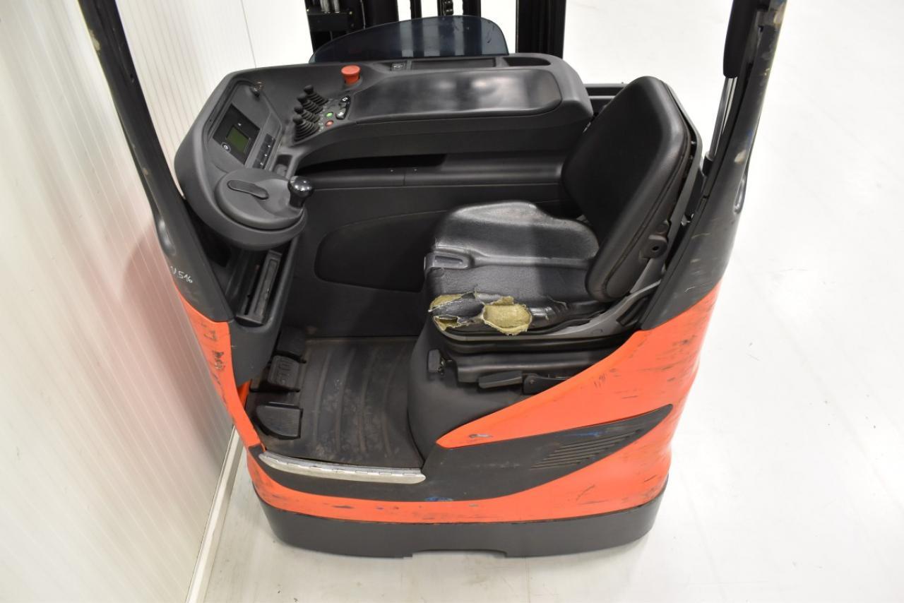 31516 LINDE R 14-01 - Battery, Reach truck, 2013, SS, Free lift, TRIPLEX, only 6187 hrs