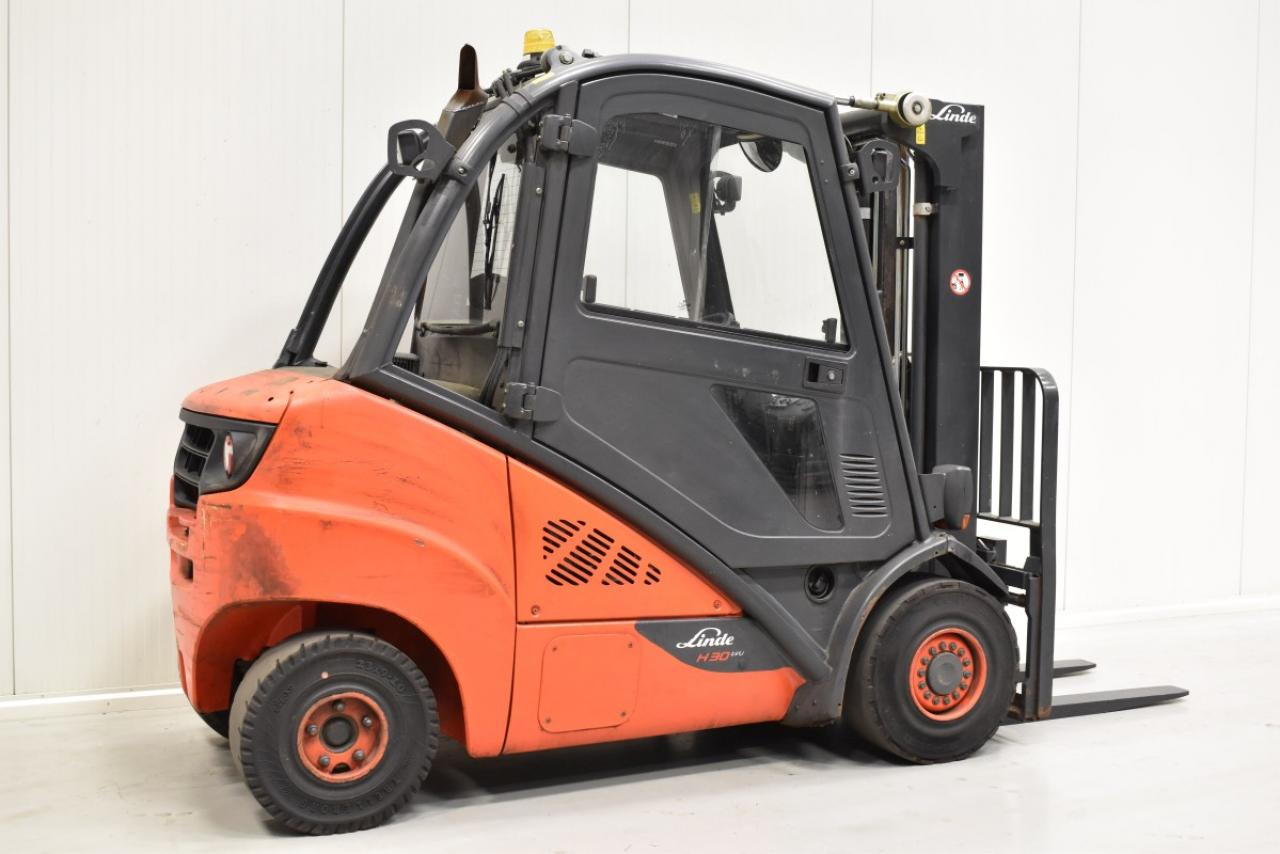 31523 LINDE H 30 D-02 - Diesel, 2013, Kabina, BP, volný zdvih, Triplex
