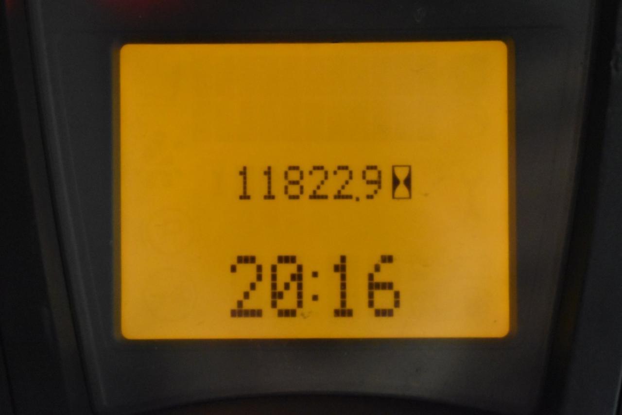 31607 LINDE H 16 T-01 - LPG, 2013, polokabina, BP, volný zdvih, Triplex