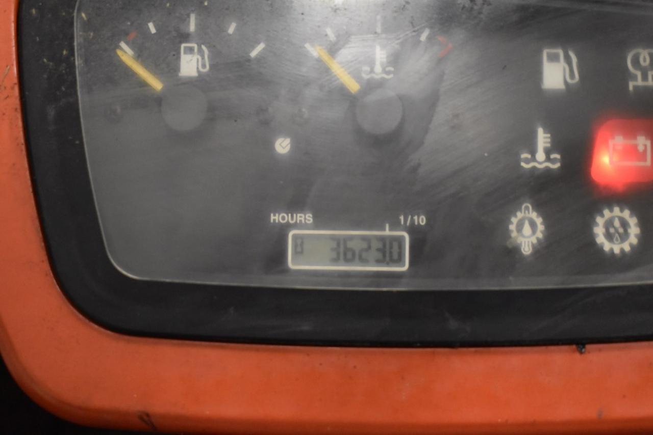 31637 BT C4G 250 E - LPG, 2008, polokabina, BP, volný zdvih, Triplex, pouze 3622 mth