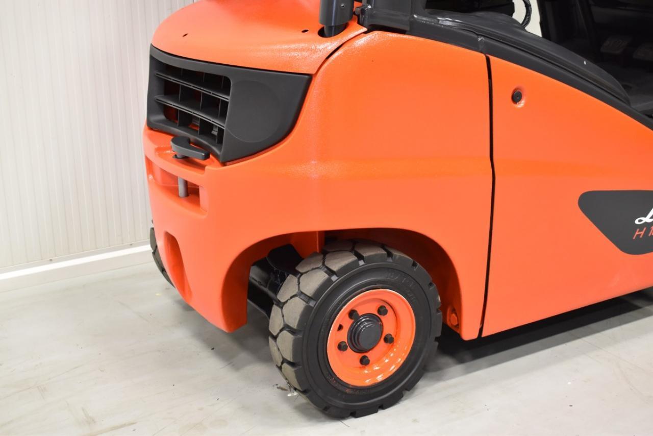 31671 LINDE H 18 D-01 - Diesel, 2009, polokabina, BP, volný zdvih, Triplex