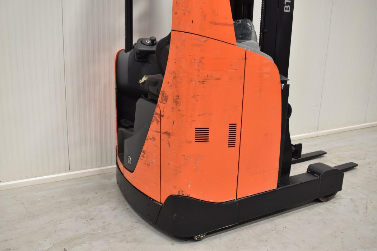 32263 BT RRE 160 - Battery, Reach truck, 2012, SS, Free lift, TRIPLEX