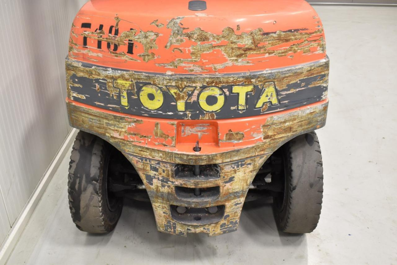 32281 TOYOTA 7FBMF40 - Battery, 2013, semi-cabin, SS