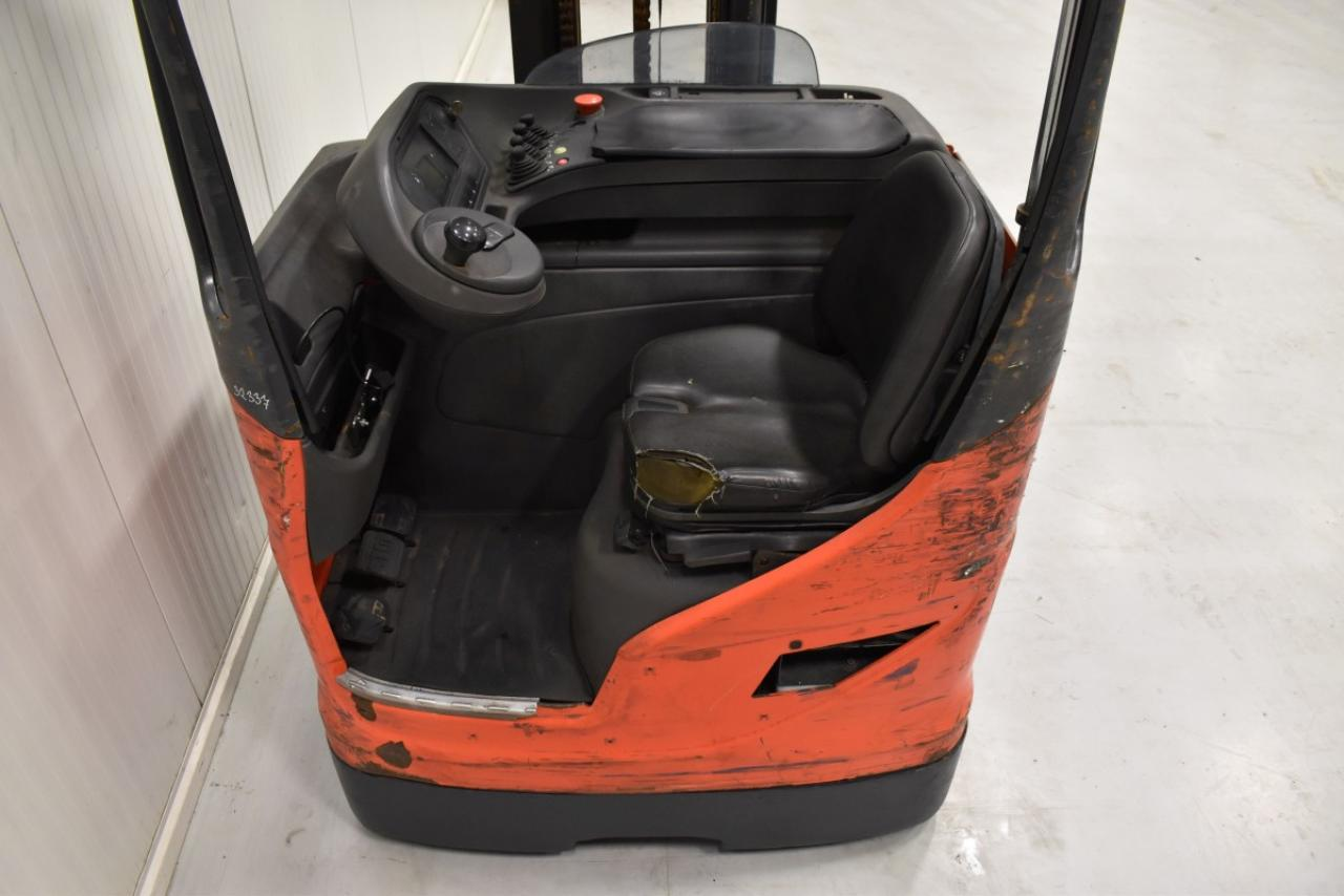 32337 LINDE R 20-01 - Battery, Reach truck, 2014, SS, Free lift, TRIPLEX, only 6515 hrs