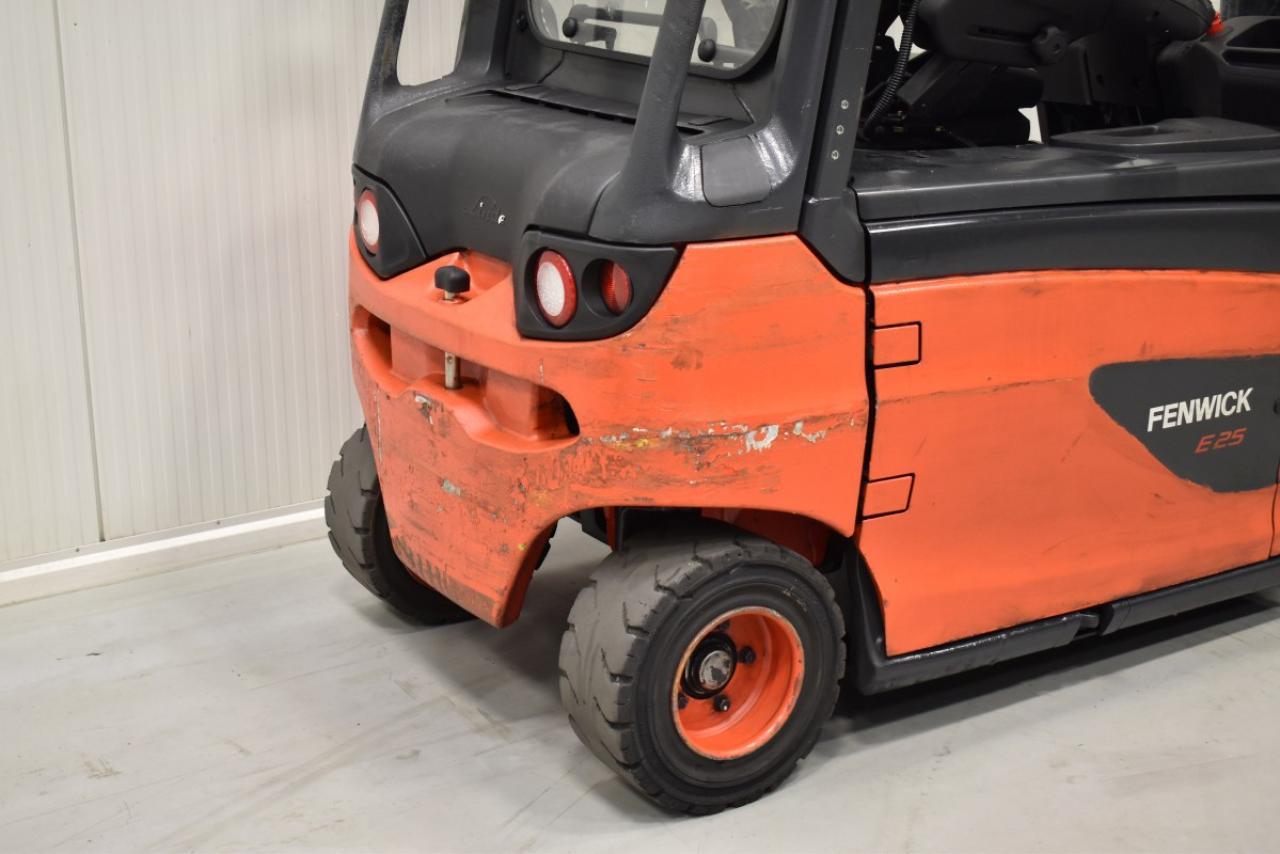 32503 LINDE E 25 L-01 - AKU, 2011, polokabina, BP, Volný zdvih, Triplex