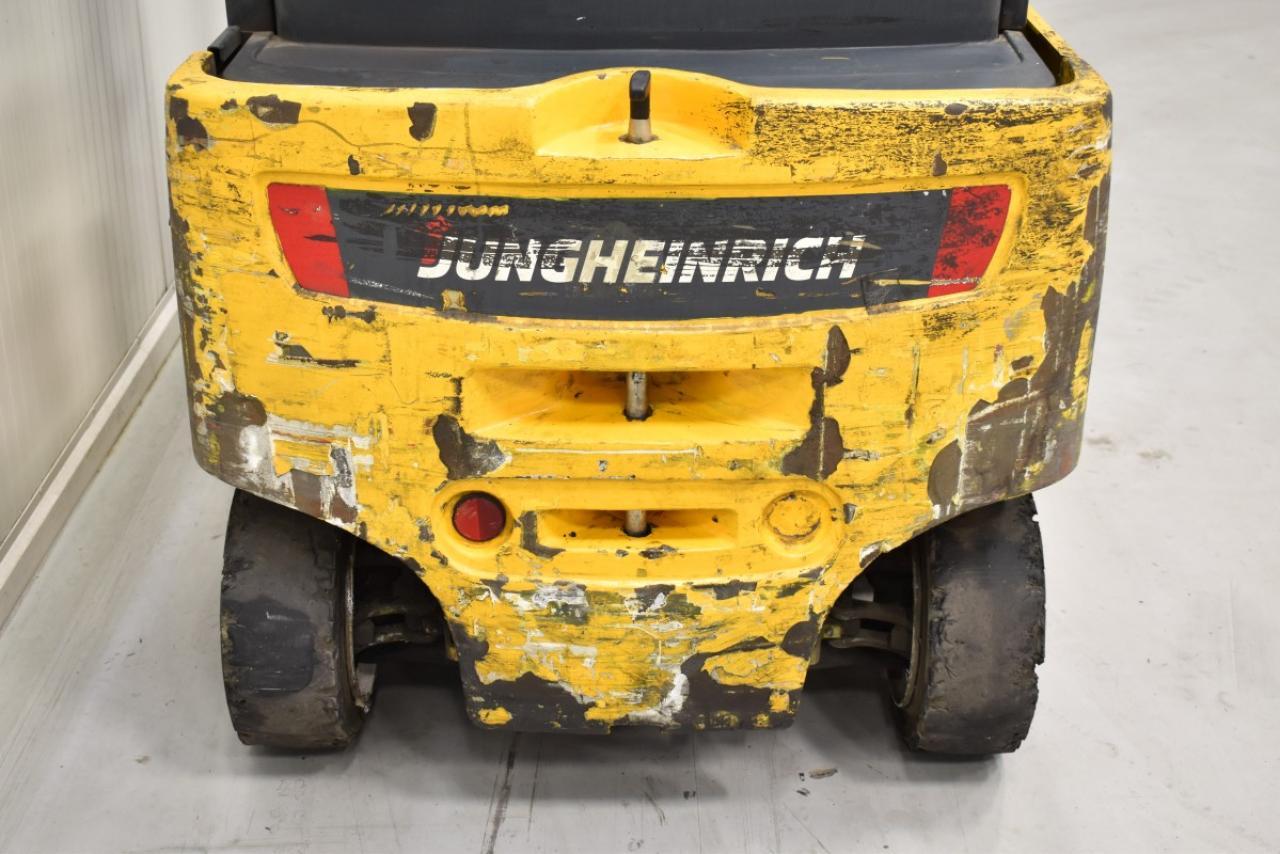 32654 JUNGHEINRICH EFG 318 - Battery, 2014, SS, Free lift, TRIPLEX