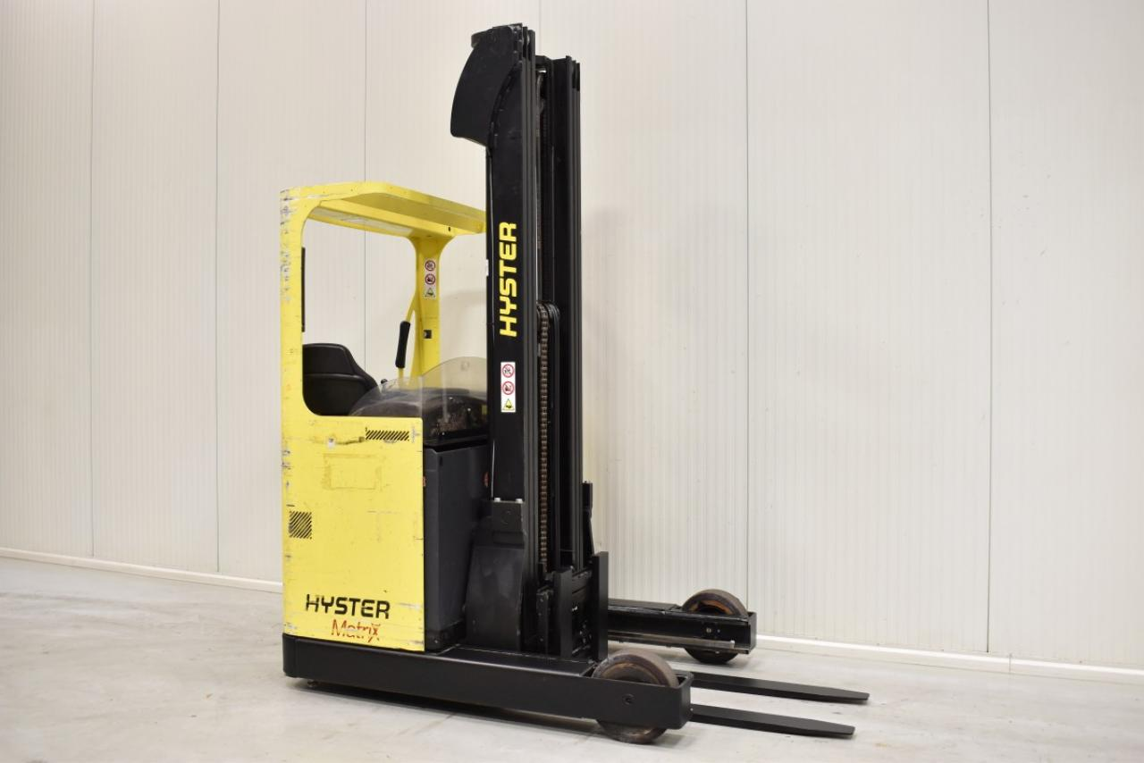 32670 HYSTER R 1.6 - Battery, Reach truck, 2012, SS, Free lift, TRIPLEX, only 4765 hrs