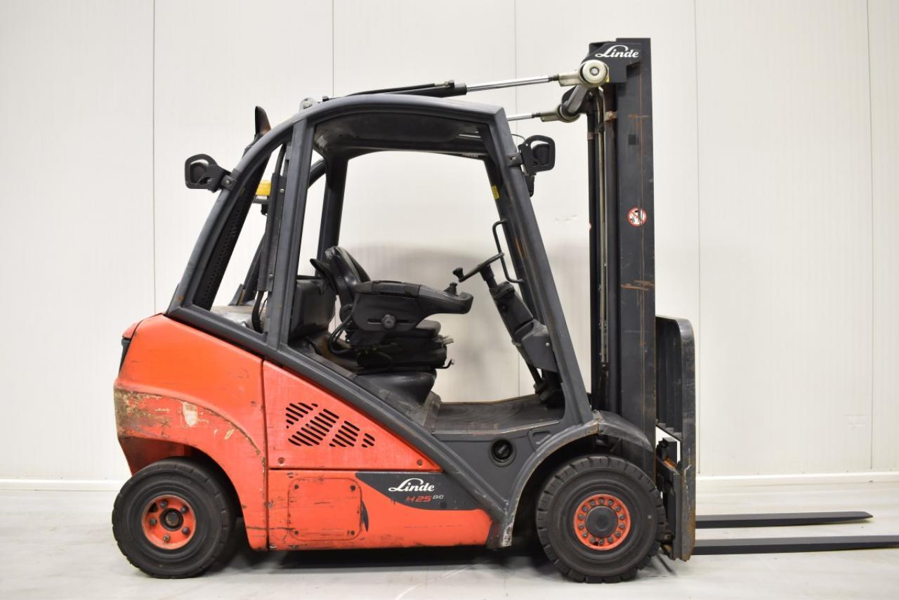 32815 LINDE H 25 D-02 - Diesel, 2014, BP, Volný zdvih, Triplex
