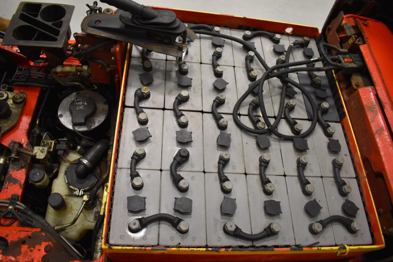 32868 LINDE E 18 C-02 - AKU, 2001, BP, volný zdvih, Triplex, BAT 2012