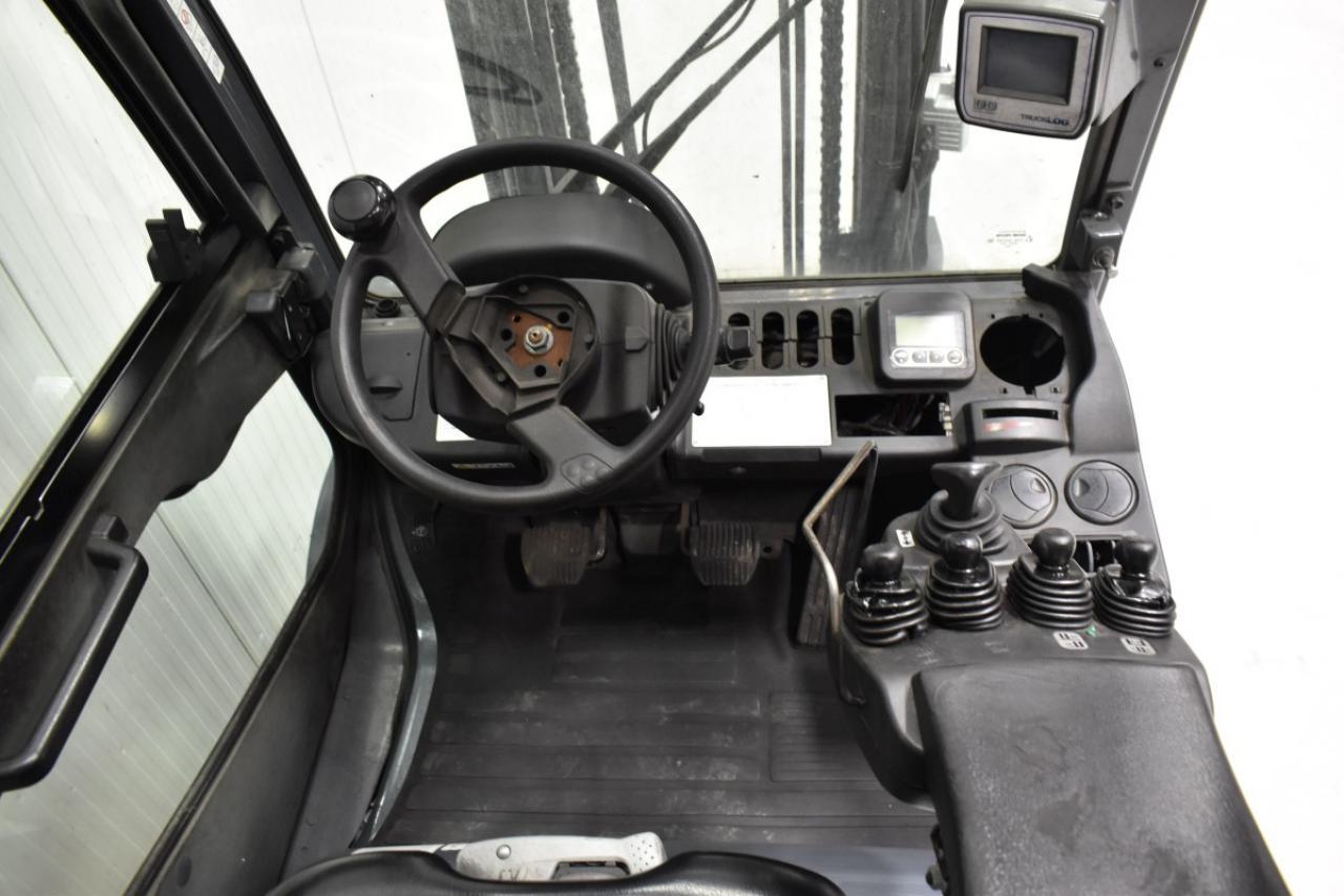 33092 TOYOTA 02-8FGJF35 - LPG, 2013, semi-cabin, SS, Free lift