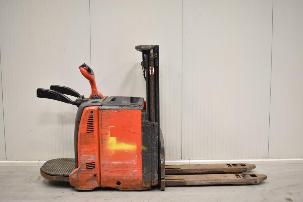 33226 LINDE L 12 LAP - Battery, 2012, initial lift, only 2720 hrs