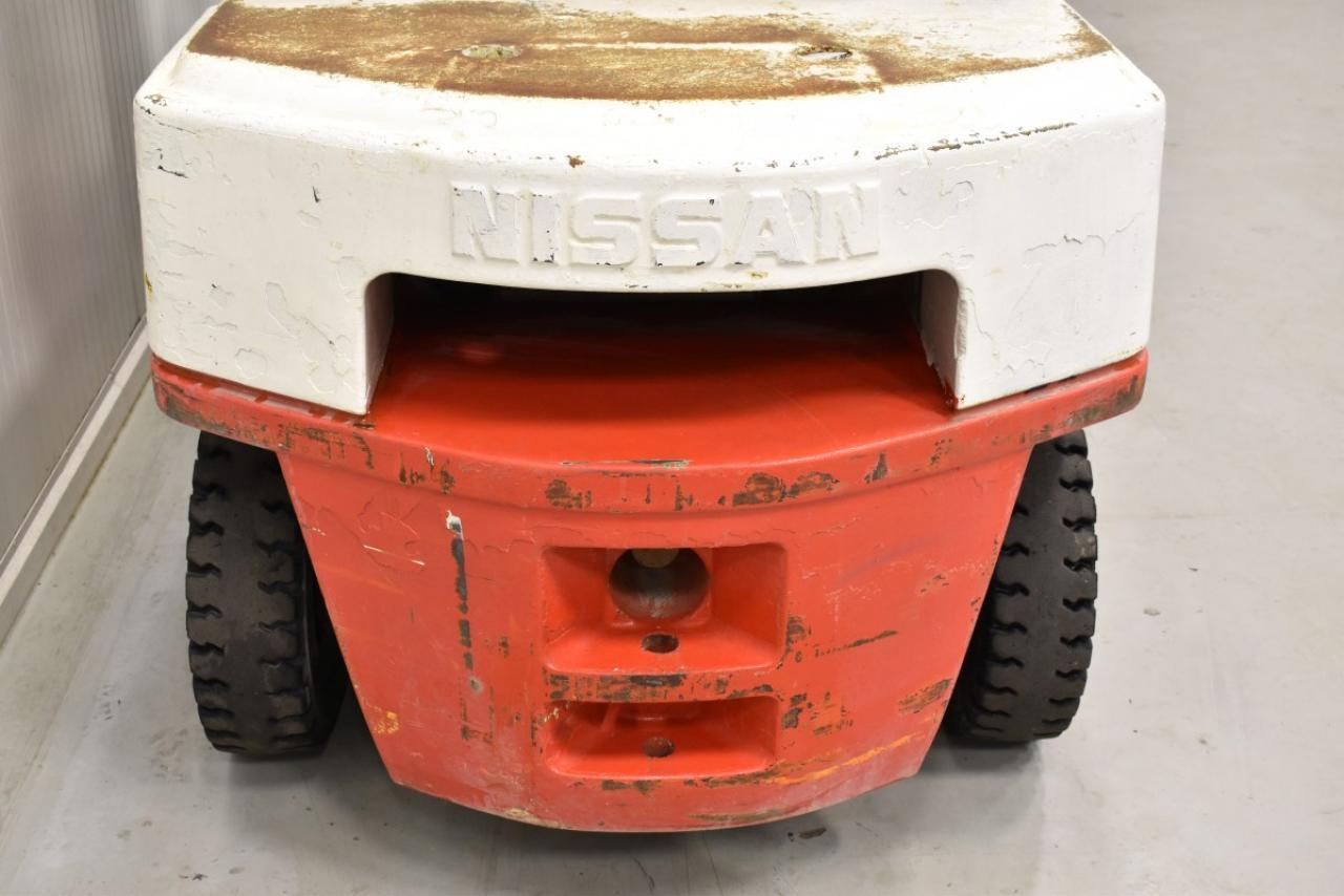 33298 NISSAN FJ02A25U - Diesel, 1999, Kabina, BP