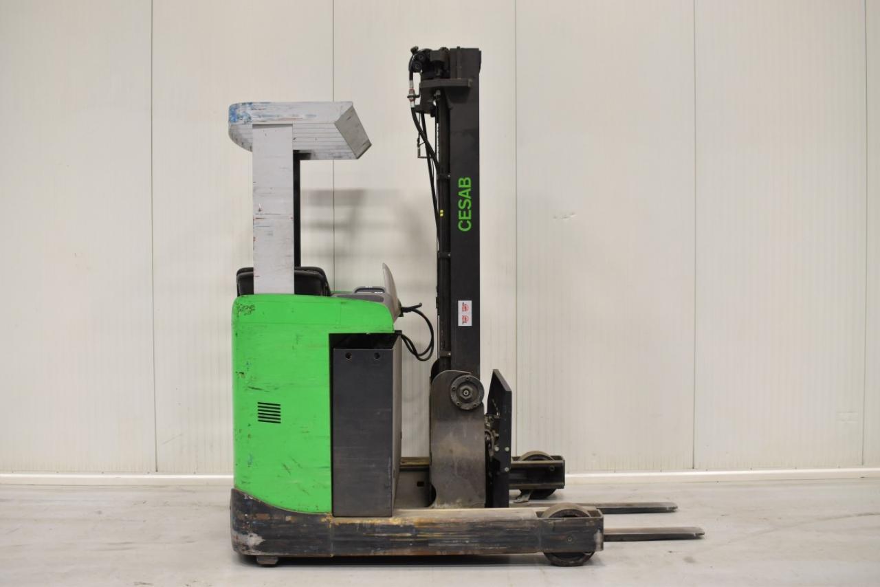 33481 CESAB R 112 - Battery, Reach truck, 2015, SS, Free lift, TRIPLEX, only 5205 hrs, BATT 2019