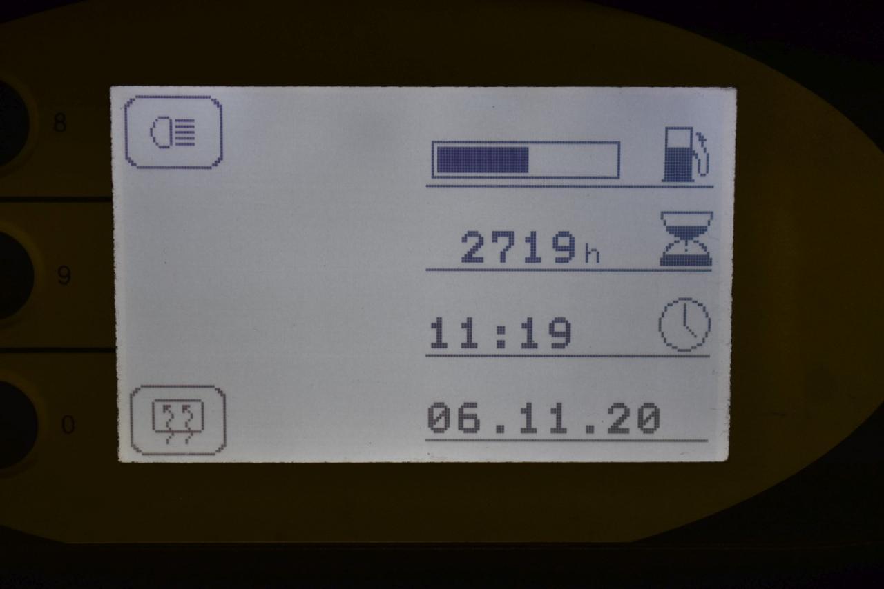 33601 STILL RX 70-25 - Diesel, 2013, polokabina, BP, Volný zdvih, Triplex, pouze 2719 mth